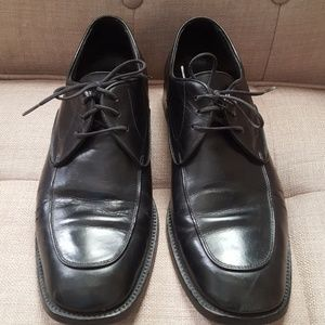 Bally men's black lace up shoes. Made in Italy